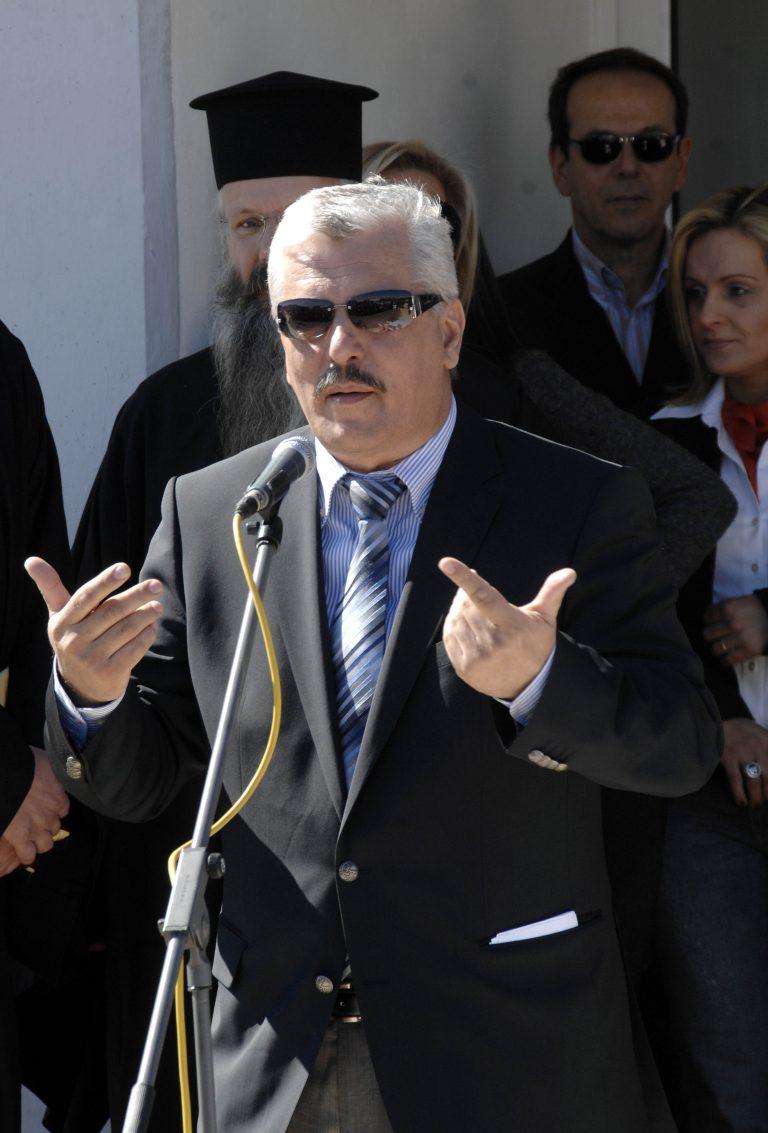 Βουλευτής:Αντί να μας κατηγορείτε που ψηφίσαμε τα μέτρα, μας κατηγορείτε που ξύνουμε τα @ρχίδι@ μας | Newsit.gr