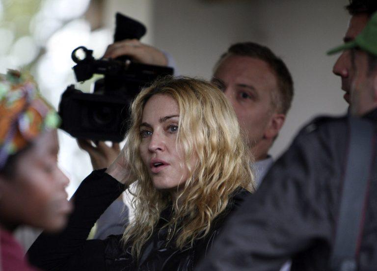 ΑΠΟΚΛΕΙΣΤΙΚΟ: Ποιος διάσημος έλληνας έκανε πρωτοχρονιά με τη Μαντόνα; | Newsit.gr