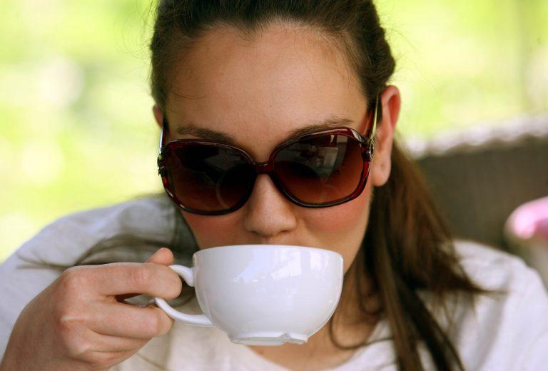 Πάτρα: Άγριο ξύλο σε καφετέρια για τα μάτια μιας γυναίκας… | Newsit.gr