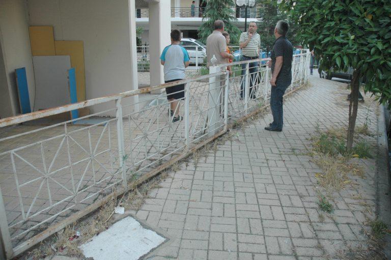 Αίγιο: Ηλικιωμένος έπεσε στο κενό, από το μπαλκόνι του σπιτιού του!   Newsit.gr