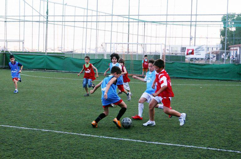 Κλαίει όλη η Χαλκίδα: Νεαρός έπεσε νεκρός σε γήπεδο! | Newsit.gr