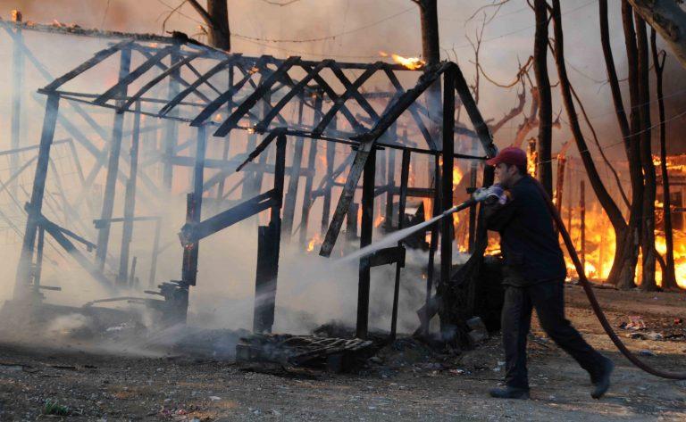 Δράμα: Κάηκαν 20 παραπήγματα   Newsit.gr