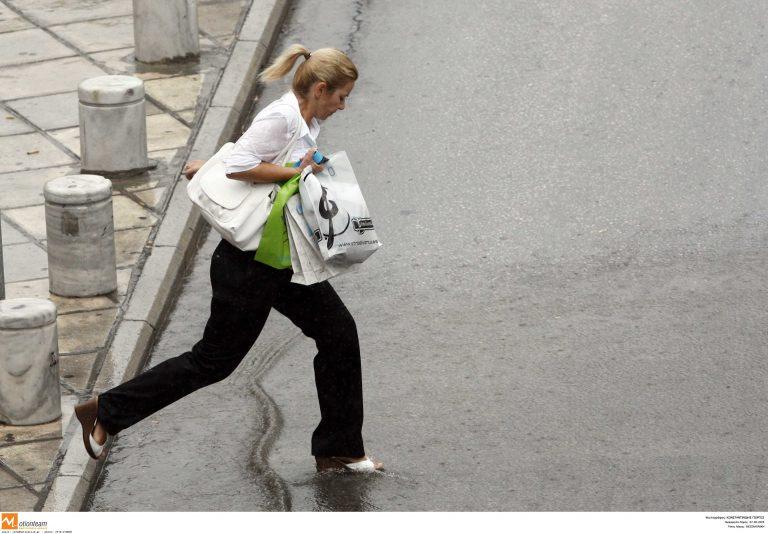 Θεσσαλονίκη: Χαλάζι και καταρρακτώδης βροχή από το πρωί – Δείτε βίντεο! | Newsit.gr
