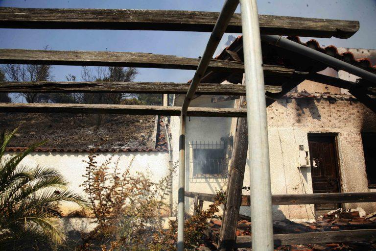 Έκαψαν 2 σπίτια του Φώτη Μπόμπολα | Newsit.gr