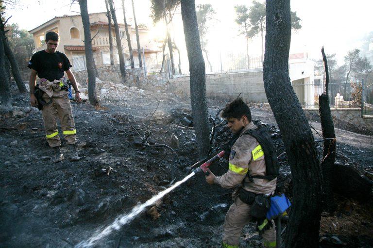 Κοζάνη: Ηλικιωμένος εγκλωβίστηκε στο φλεγόμενο σπίτι του!   Newsit.gr