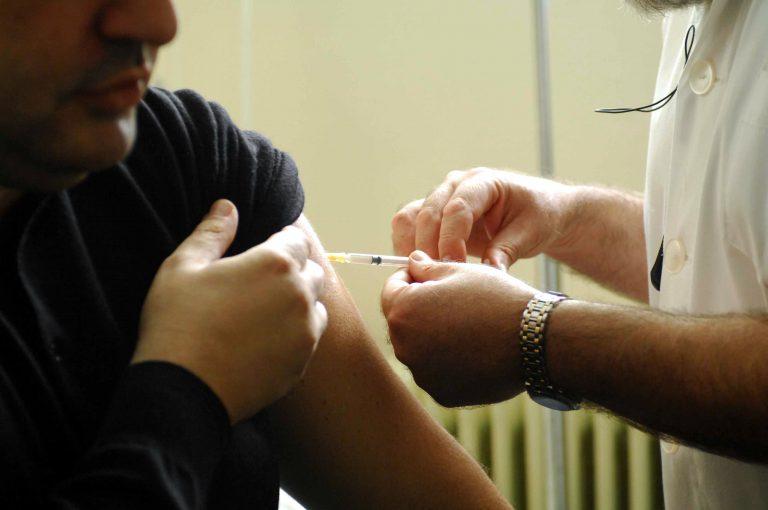 Νέα κρούσματα της γρίπης H1N1 | Newsit.gr