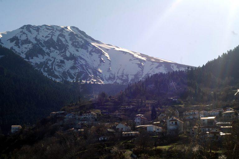 Τρίκαλα: »Βουλιάζει» ένα ολόκληρο χωριό – Οι κάτοικοι σε απόγνωση! | Newsit.gr