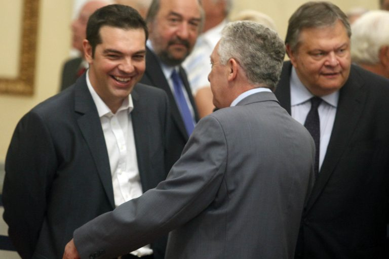 Απόψε στο ίδιο τραπέζι Τσίπρας, Βενιζέλος, Κουβέλης, Παπαρήγα | Newsit.gr