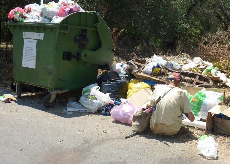 Καλαμάτα: Νέο μηχάνημα δίνει λύση στο πρόβλημα των σκουπιδιών   Newsit.gr