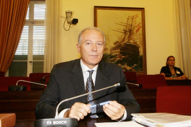 Προβόπουλος: Παίρνει πιο πολλά και από τον κεντρικό τραπεζίτη των ΗΠΑ! | Newsit.gr