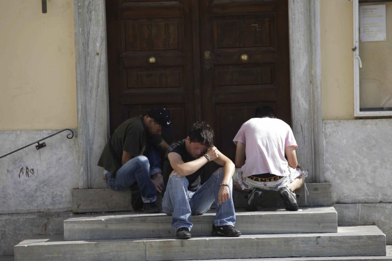 Ρόδος: Υπερμάρκετ ναρκωτικών στην είσοδο του ΟΚΑΝΑ! | Newsit.gr