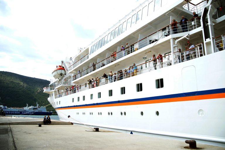Ηράκλειο: Θερμή υποδοχή στο πρώτο κρουαζιερόπλοιο της χρονιάς | Newsit.gr