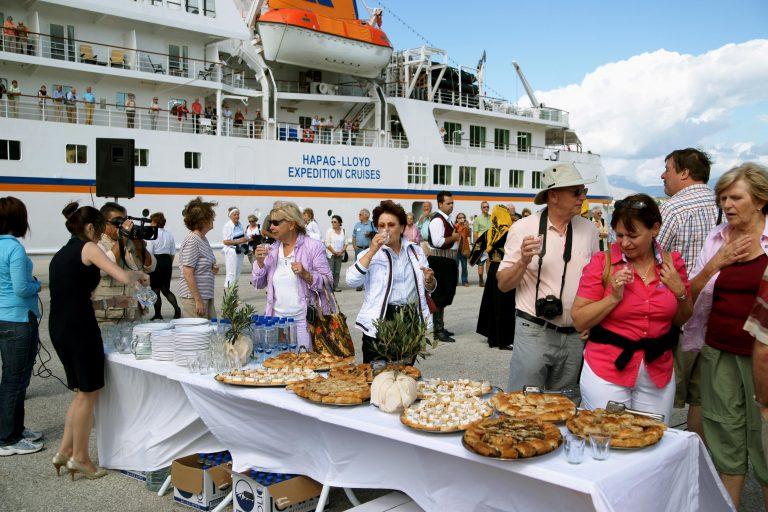 Χανιά: «Έδεσε» το πρώτο κρουαζιερόπλοιο στη Σούδα | Newsit.gr