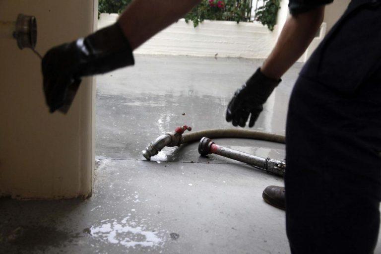 Θεσσαλονίκη: Έκλεβαν και νόθευαν πετρέλαιο σε βυτιοφόρα του στρατού! | Newsit.gr