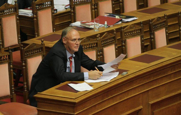 Π.Δούκας: «Δεν ξέρω αν πήραν στο λαιμό τους τον Καραμανλή» | Newsit.gr