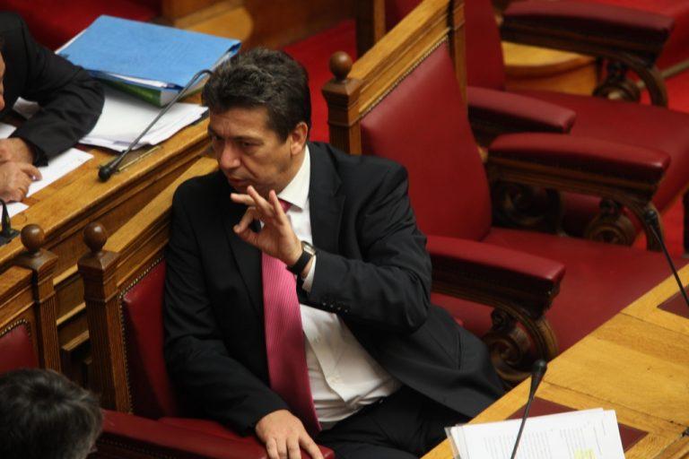 Άνοιξε διάπλατα η πόρτα για απολύσεις στο δημόσιο με δηλώσεις του Υπουργού Επικρατείας | Newsit.gr