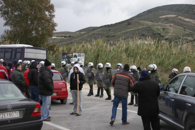 «Πόλεμος» κάθε μέρα στην Κερατέα- Επεισόδια και σήμερα μεταξύ κατοίκων και ΜΑΤ   Newsit.gr