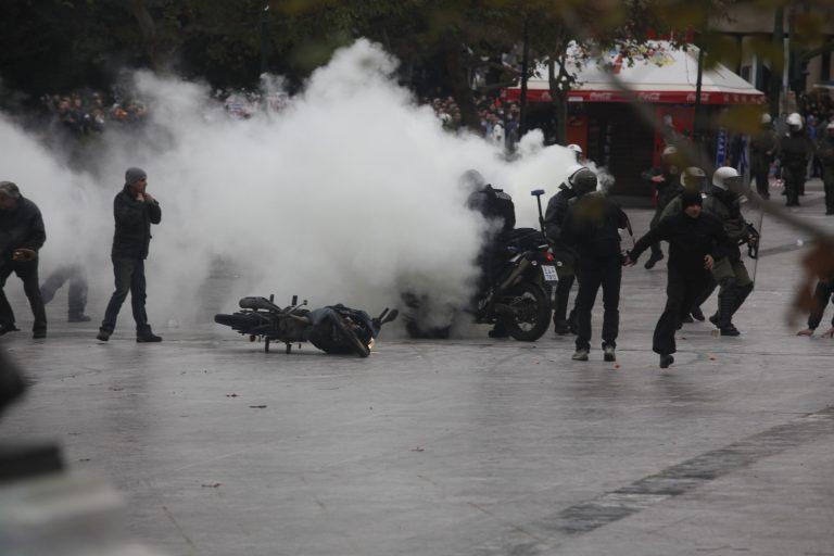 Θεσσαλονίκη: Η πορεία της οργής – Τραυματισμοί και ζημιές σε καταστήματα! | Newsit.gr