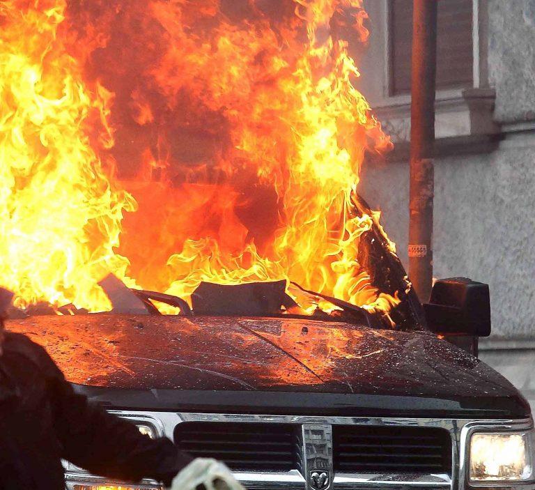 Καλούσε σε βοήθεια αλλά κάηκε ζωντανός μέσα στο φλεγόμενο αυτοκίνητο | Newsit.gr