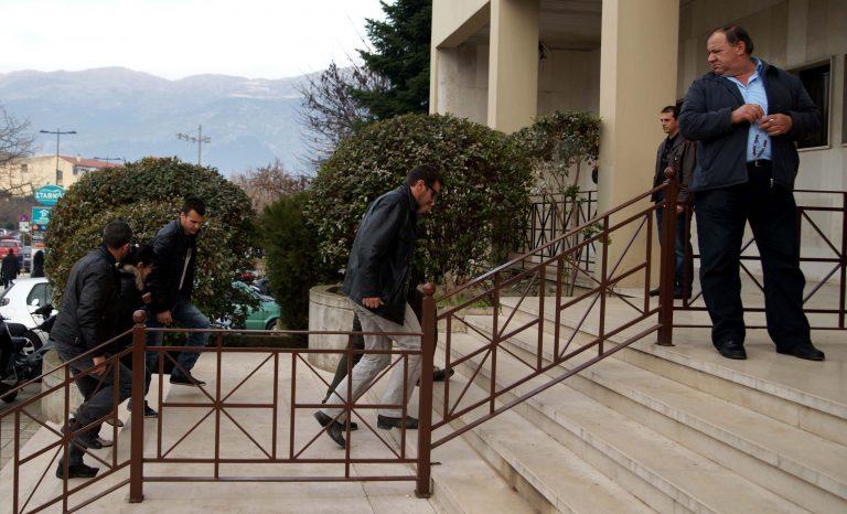 Στον ανακριτή Χαλκίδας απολογούνται αύριο τα μέλη σπείρας διαρρηκτών | Newsit.gr