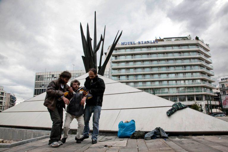 Τον λίντσαραν στη μέση κεντρικής πλατείας της Πάτρας!   Newsit.gr