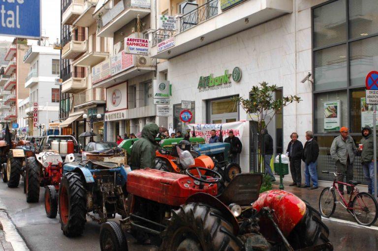 Ανάβουν μηχανές για μπλόκα οι αγρότες – Απειλεί ο Σκανδαλίδης πως δεν θα ανεχθεί τέτοια | Newsit.gr