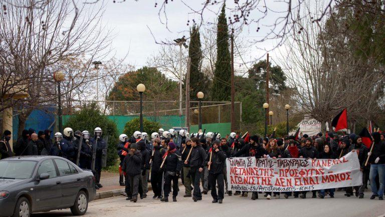 Θεσσσαλονίκη: Πορεία αλληλεγγύης για τους μετανάστες απεργούς πείνας | Newsit.gr