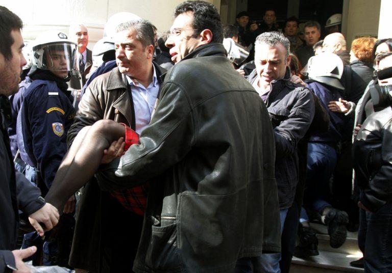 Θέλουν να μας κάνουν  καθαρίστριες καταγγέλλουν στο Νewsit οι γιατροί του ΙΚΑ που απεργούν   Newsit.gr