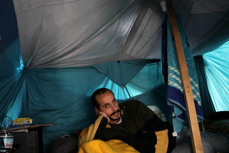 Θεσσαλονίκη: Μετανάστης απεργός πείνας μεταφέρθηκε στο νοσοκομείο   Newsit.gr