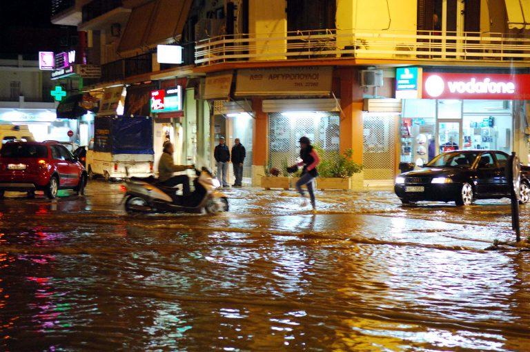 Ναύπλιο: Καταιγίδες »παρέλυσαν» την πόλη! | Newsit.gr
