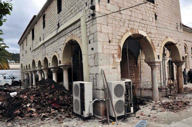 Βέροια: Πυρκαγιά σε εκκλησία του 16ου αιώνα! | Newsit.gr