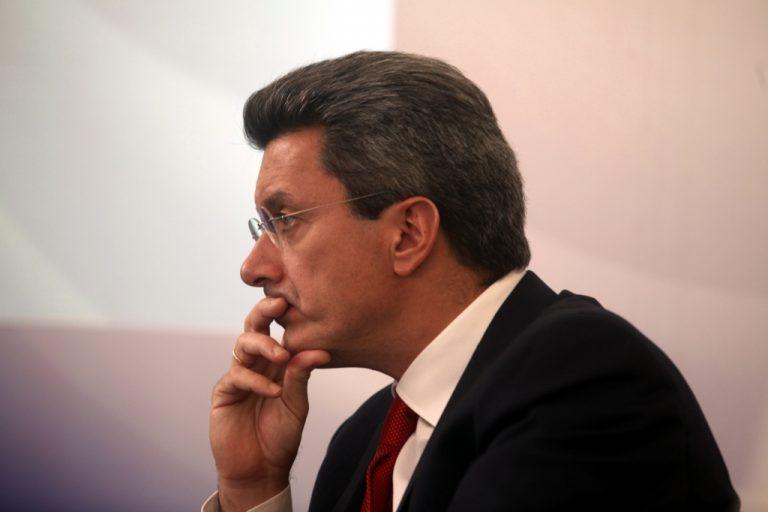 Η επίθεση του Νίκου Χατζηνικολάου | Newsit.gr