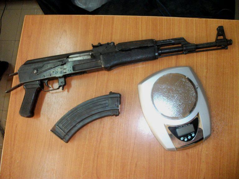 Ρέθυμνο: Οικογενειακή επιχείρηση… με όπλα και χασίς | Newsit.gr