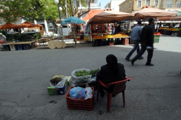 Σαν έρημη πόλη μοιάζει η λαϊκή αγορά των Τρικάλων! | Newsit.gr