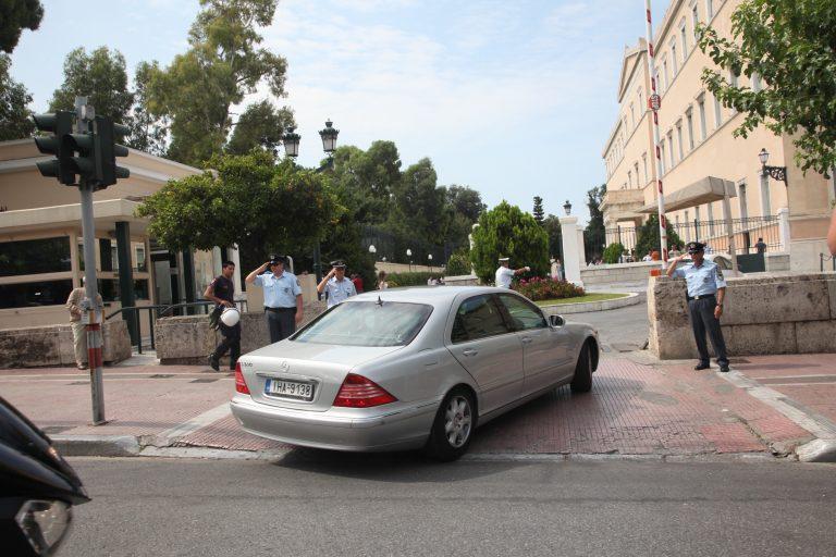 Μόλις 35 δεν θα πάρουν το βουλευτικό αυτοκίνητο | Newsit.gr
