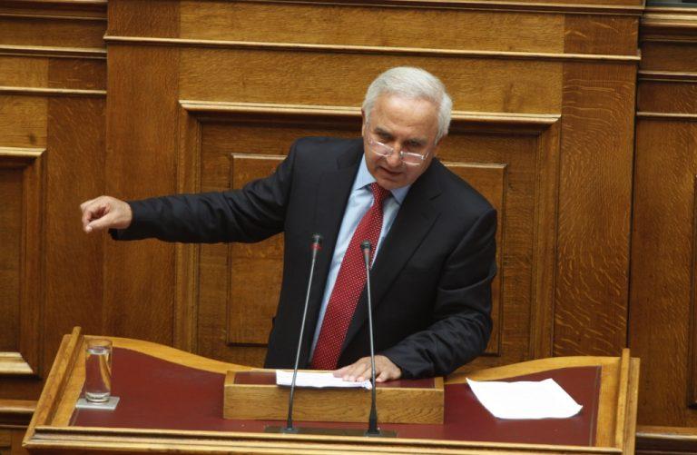 Στα μέτρα σας κ.Πετσάλνικε ο κανονισμός της Βουλής; – Ποιός είναι επιτέλους ο κ. Αθανασιάδης; | Newsit.gr