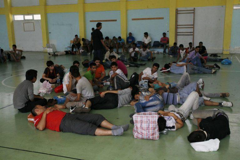 Σε περίπου ένα μήνα το πρώτο κέντρο κράτησης παράνομων μεταναστών στην Αττική – Ποιές περιοχές ακούγονται | Newsit.gr