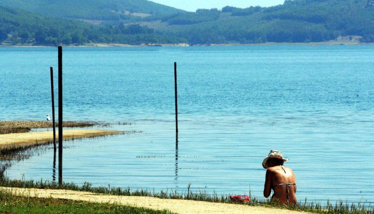 Νεκρός ο νεαρός που βούτηξε στη λίμνη για να δροσιστεί! | Newsit.gr