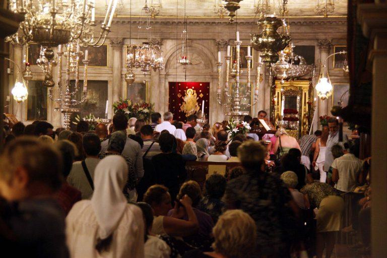 Ηράκλειο:»Ο Θεός να βάλει το χέρι του» – Προσευχές για τη σωτηρία της χώρας!   Newsit.gr