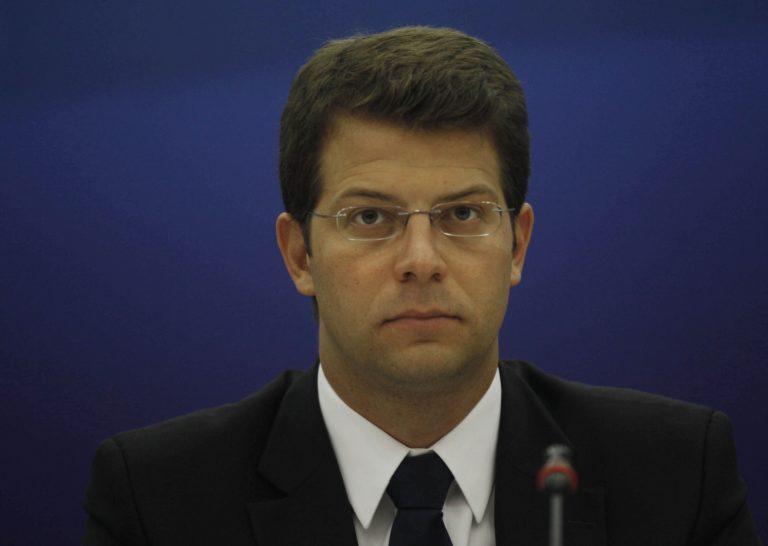 Υφυπ.Επικρατείας: «Άδικο μέτρο η αύξηση του ΦΠΑ» | Newsit.gr