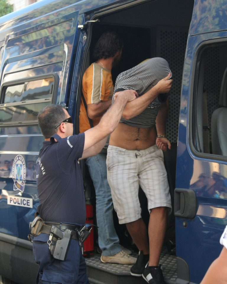 Κρήτη: »Απειλούν ότι θα σκοτώσουν εμένα και την οικογένειά μου»!   Newsit.gr