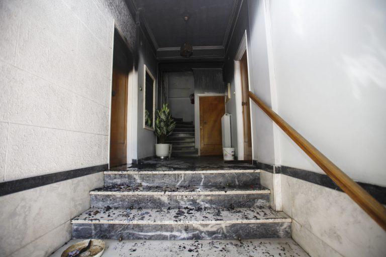 Ηράκλειο:Πανικός σε φλεγόμενο διαμέρισμα – Οι ένοικοι έτρεχαν να σωθούν! | Newsit.gr