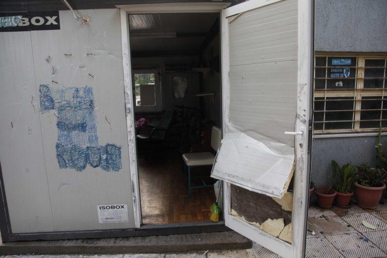 Ηράκλειο: Έκλεψαν υπολογιστές και έκαναν γυαλιά καρφιά το γραφείο των καθηγητών!   Newsit.gr