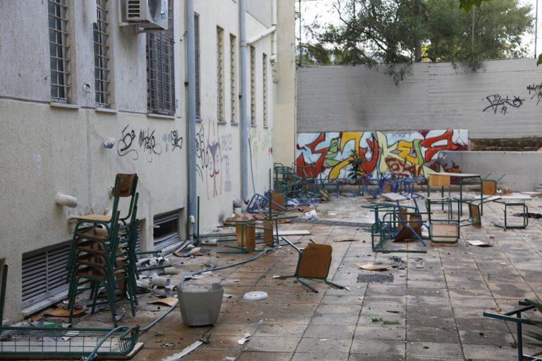 Πάτρα:Κατάληψη σε σχολείο γιατί…δεν έχουν χαρτί υγείας-Δείτε το βίντεο!   Newsit.gr