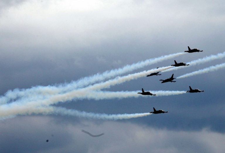 Εκοψαν την ανάσαν οι πιλότοι της Breitling Jet Team – δείτε φωτο   Newsit.gr