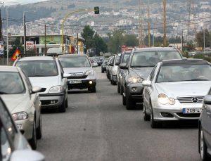Τέλη κυκλοφορίας αυτοκινήτων… πολλών ταχυτήτων – Τα σενάρια για τις νέες τιμές
