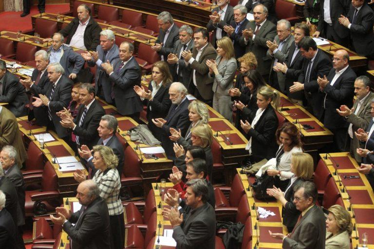 Τι προβλέπουν Σύνταγμα και Κανονισμός της Βουλής   Newsit.gr