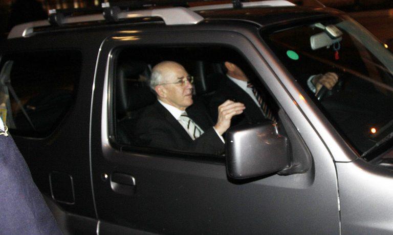 Κατσάδα ενός πρώην πρωθυπουργού σε έναν παρολίγον – Παπανδρέου: Γιατί κ.Ρουμελιώτη δεν ενημερώσατε την ελληνική κυβέρνηση; Γιατί δεν παραιτηθήκατε;   Newsit.gr