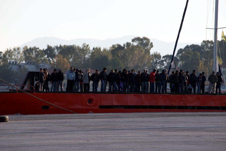 Κρήτη: Ψαράς εντόπισε λαθρομετανάστες που ετοιμάζονταν να φύγουν από τη χώρα   Newsit.gr