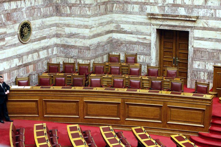 Δεν πατάνε οι υπουργοί στην Βουλή – Οργή Μεϊμαράκη   Newsit.gr